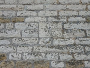 AD 1872 build date on wall between Hope Cottage and Broad View